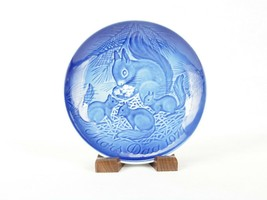 """Bing & Grondahl 6"""" Mother's Day Plate, 1977, Mother Squirrel & Babies, #... - $6.81"""