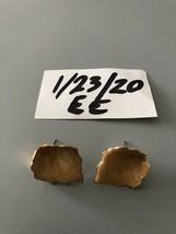 Vintage Leaf Pierced Earrings - $5.93