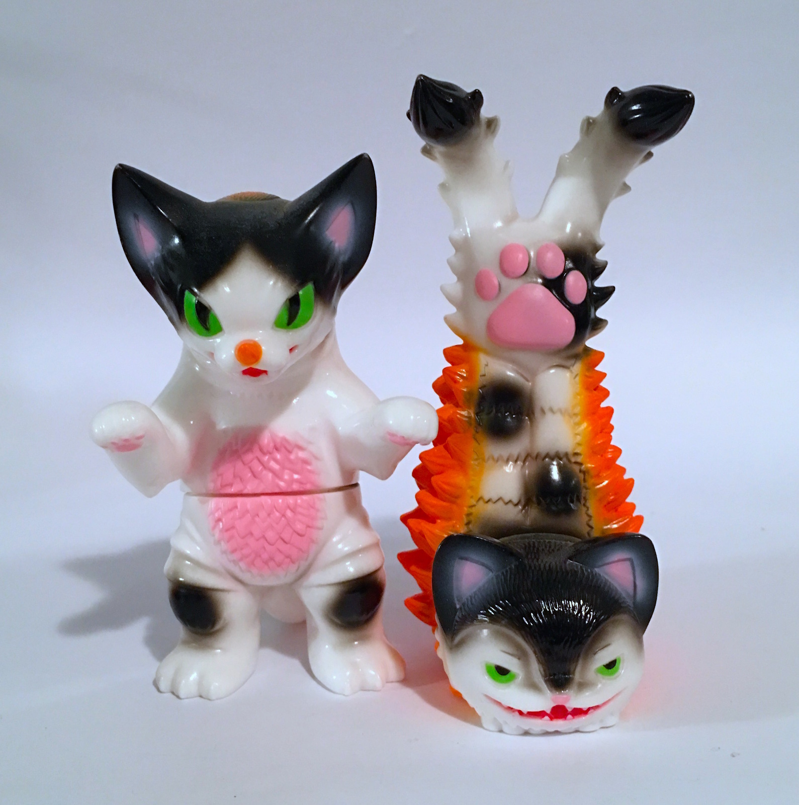 Konatsu Ultra Neko Gomora Twin Tale Black and White Set