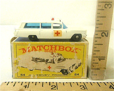 Lesney Matchbox #54 Cadillac Ambulance S&S Red Cross Label Original Box Unused