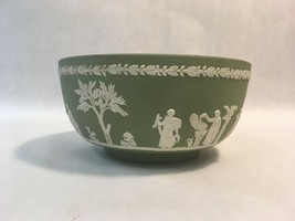 8 Inch Vintage Wedgwood Green Jasperware Marshall Field Grecian Serving Bowl - $84.10