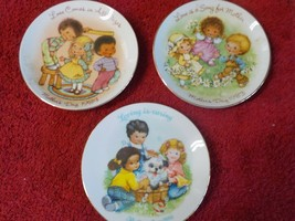 "Three 5"" dia. Mothers Day Plates from Avon  (BN) - $4.99"