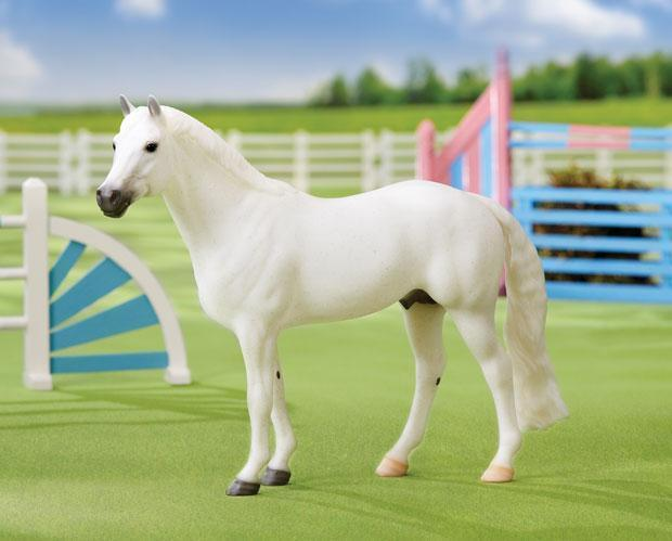 Primary image for Breyer 1708 Sonwman  very well done Scale:1:9 traditional show jumper  <>