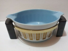 Pyrex Gold Leaf Delphite Blue Gourmet Casserole Withs Tand Serving Dish 4×10 - $69.99