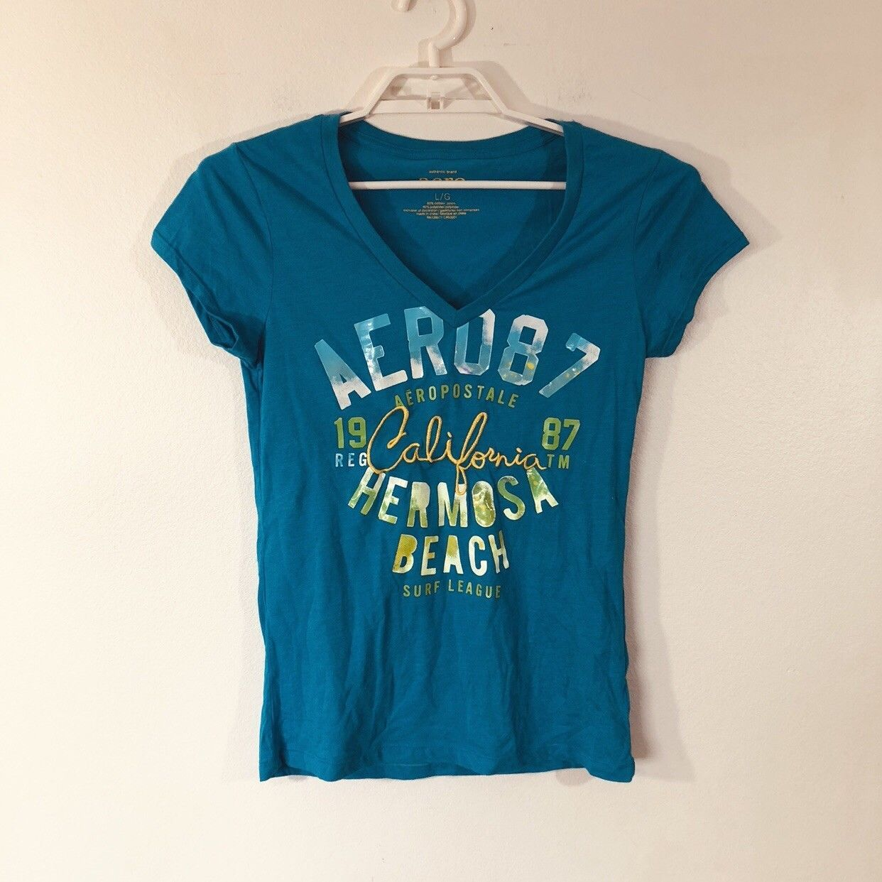 Primary image for Aeropostale T-Shirt V-Neck Graphic Tee Large Hermosa Beach 87 California