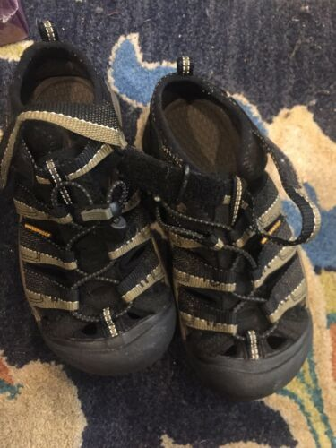 Keen Boy's Black Leather/Cloth Sports Sandals SZ 13 M Touch Closure-Waterproof