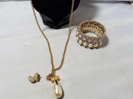 Vintage Fashion Jewelry Set Gold Tone Faux Pearl Necklace Pendant Bracel... - $27.89