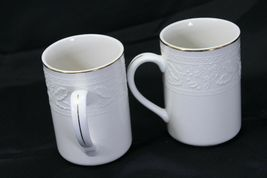 """Libbey White Embossed Holly Cups Mugs Xmas Gold Trim 4.25"""" Lot of 8 image 4"""