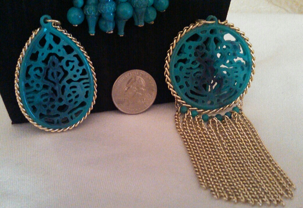 Vintage Interchangeable Turquoise and Gold Chinese Scroll Pendants Necklace Set
