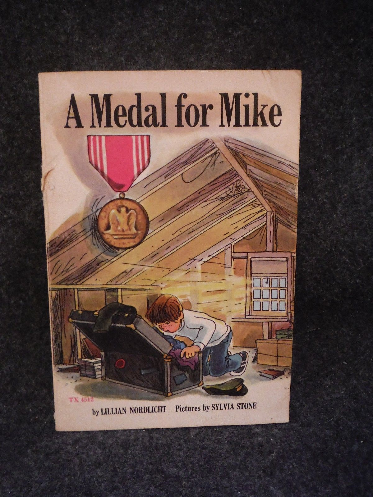 Scholastic Books A Medal For Mike by Lillian Nordlight 1979 Paperback