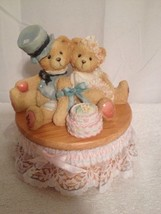 "1995 Pre Owned San Francisco Music Box ""Love Bears All Things"" # 699349 - $20.57"