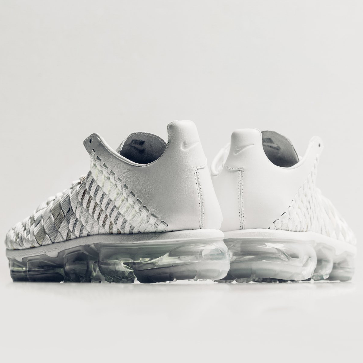 Nike Air VaporMax Inneva (Summit White  Glacier) Men 7-13 AO2447- f8c0b3e0f