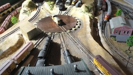 N Scale Model Railroad Layout Complete Custom Built Atlas Scenic & Relaxed 3'x6' - $2,128.50