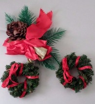 2 1960s Christmas Wreath Pin Brooch & Pinecone & Pine Leaves Decoration ... - $6.19