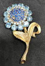 Vintage Weiss Gold & Blue Rhinestone Flower Brooch Pin - $64.34