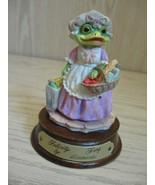 Figurine Felicity Frog Leonardo Little Nook Village LN-26  1989 - $7.95