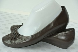 Clarks Womens Sz 9 M Brown Leather Slip On Bow Loafers Flats NICE!! - $22.76