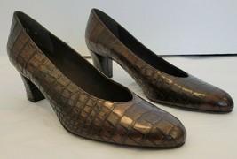 STUART WEITZMAN Brown Croc Embossed Leather Tiltling Pump - Size 10 - $84.15