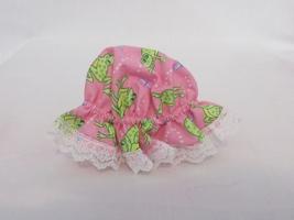Pink Mason Jar Bonnet Lid Cover,green frogs/white lace, Easter basket,se... - $10.00