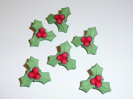 "Holiday Christmas Holly Buttons 3D Realistic Shank Buttons (6) 1"" Green ... - $5.63"