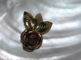 Vintage Rose & Goldtone Dimensional ROSE Flower with Three Leaves Pendan... - $10.39