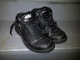 Nike Overplay V 395857 002 Black Silver White Basketball Shoes Sneakers 8.5 - $39.99