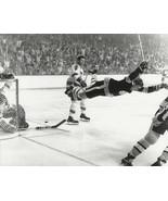 BOBBY ORR 8X10 PHOTO HOCKEY BOSTON BRUINS PICTURE THE GOAL NHL - $4.94