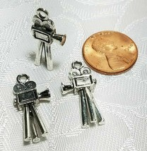 MOVIE CAMERA HOLLYWOOD FINE PEWTER PENDANT CHARM - 10.5mm L x 24mm W x 3mm D image 2