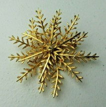 Vintage CORO GOLD TONE BROOCH Pin - $10.00