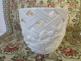 "LENOX BONE CHINA AMERICAN BY DESIGN PLANTER PIERCED LATTICE 4""  - $24.70"