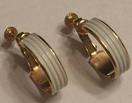 VTG NAPIER White Enameled Screw Back Clip On Earrings~ Shiny Gold Tone R... - $25.88