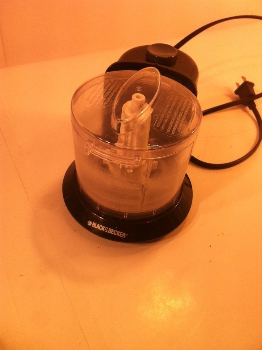 Primary image for BLACK & DECKER FOOD CHOPPER--HC306B--ONE TOUCH--1 1/2 CUP-- -SHIPS FREE---EUC
