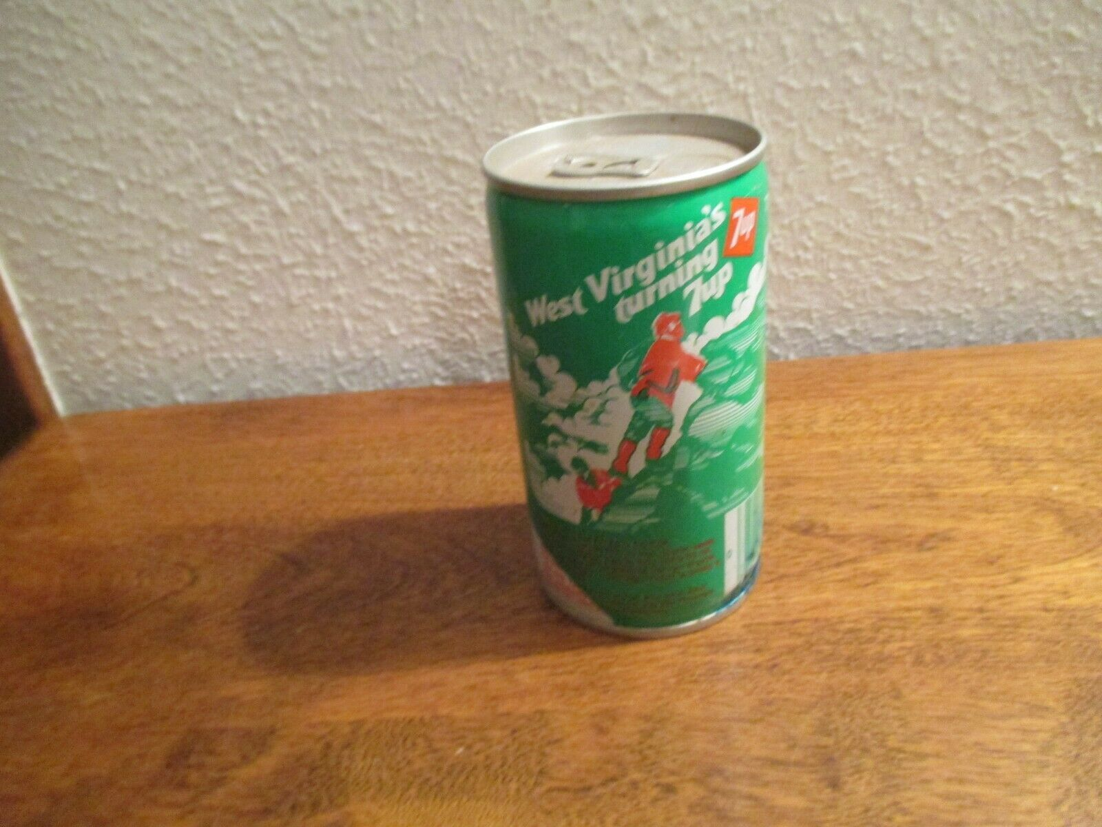 Primary image for West Virginia WV Turning 7up vintage pop soda metal can climbing seneca rocks