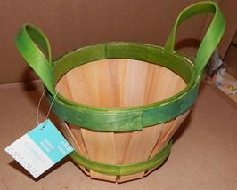 "Easter Basket Wood 7"" x 5"" Celebrate It  Green & Tan 153Z - $5.49"