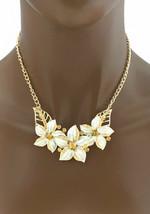 Goldfarben Emaillierte Weiße Blumen Hellbraun Strass Halskette Ohrringe Set - $12.57