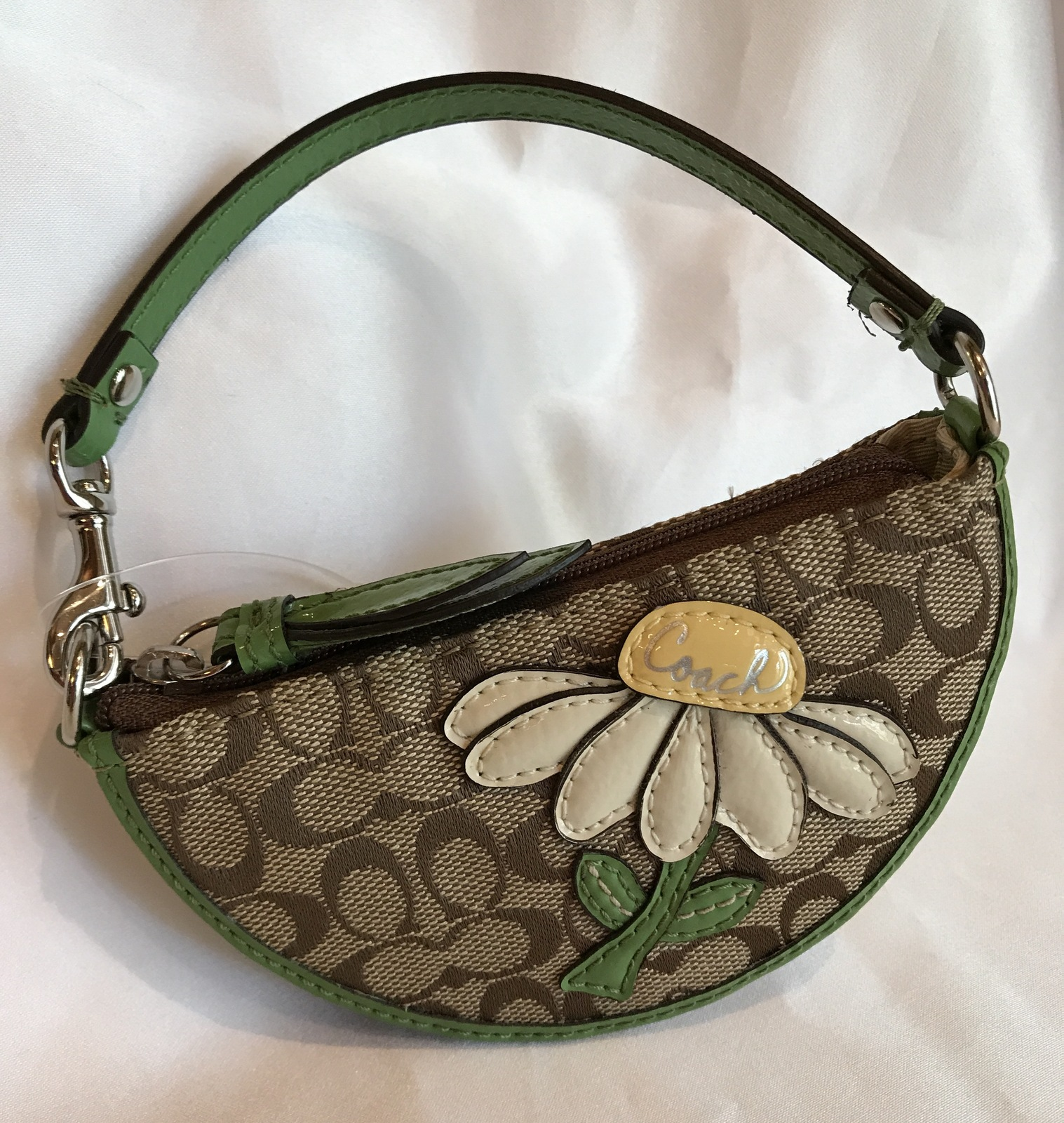 2aa02f1415 Coach Daisy Motif Coin purse Small Wristlet NWT -  58.00