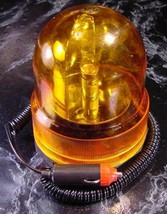 12 Volt REVOLVING AMBER CAUTION LIGHT new Magnetic base safety car truck - $14.99