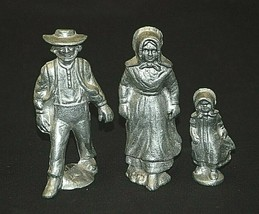 Old Vintage Wilton Armetale Aluminum Amish Family Figurines Metalware Shadow Box - $34.64