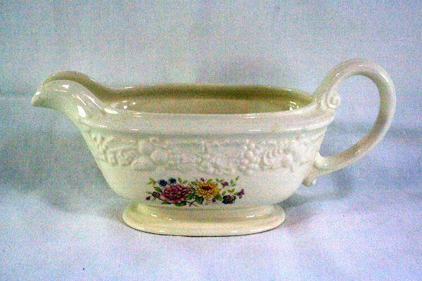 Homer Laughlin Floral TH6 M47N5 Footed Gravy Boat