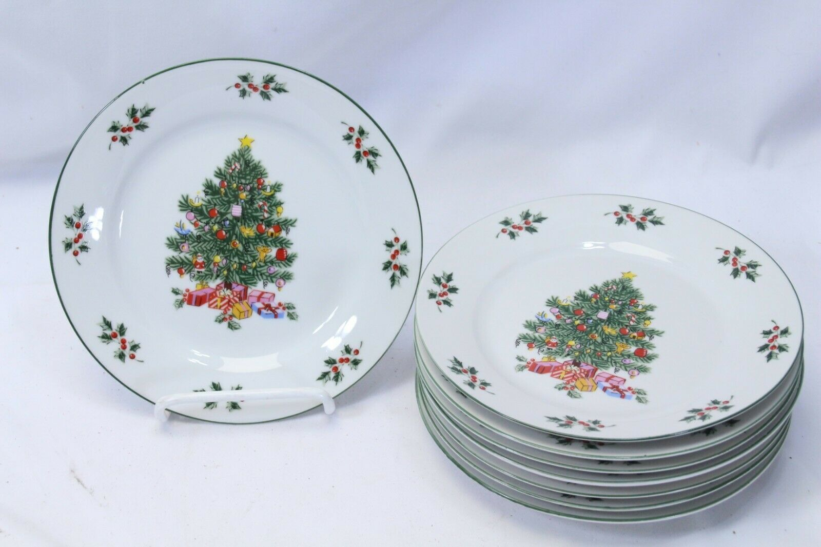 "Primary image for Noel Morning Xmas Salad Plates 7.25"" Lot of 8"