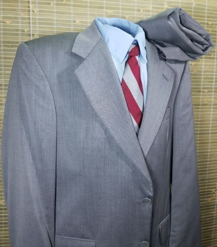 Stafford 2 button mens suit Gray Worsted Wool 38R single vented, 32 X 29 Pleated