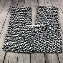 Liz Claiborne Women's Navy White 'Sloane' Capri Geometric Print Pants Si... - $17.34