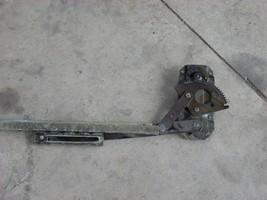 1969 1970 1971 1972 MERCEDES 220 250 RIGHT FRONT MANUAL DOOR REGULATOR OEM image 2