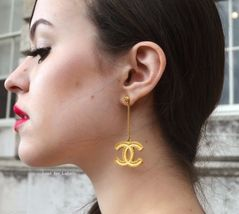 AUTHENTIC CHANEL XL GOLD CC LOGO DANGLE CHAIN EARRINGS AUTHENTIC MINT