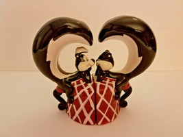 Looney Tunes WB  Pepe Le Pew & Penelope Cat Magnetic Salt & Pepper Shakers  - $18.80