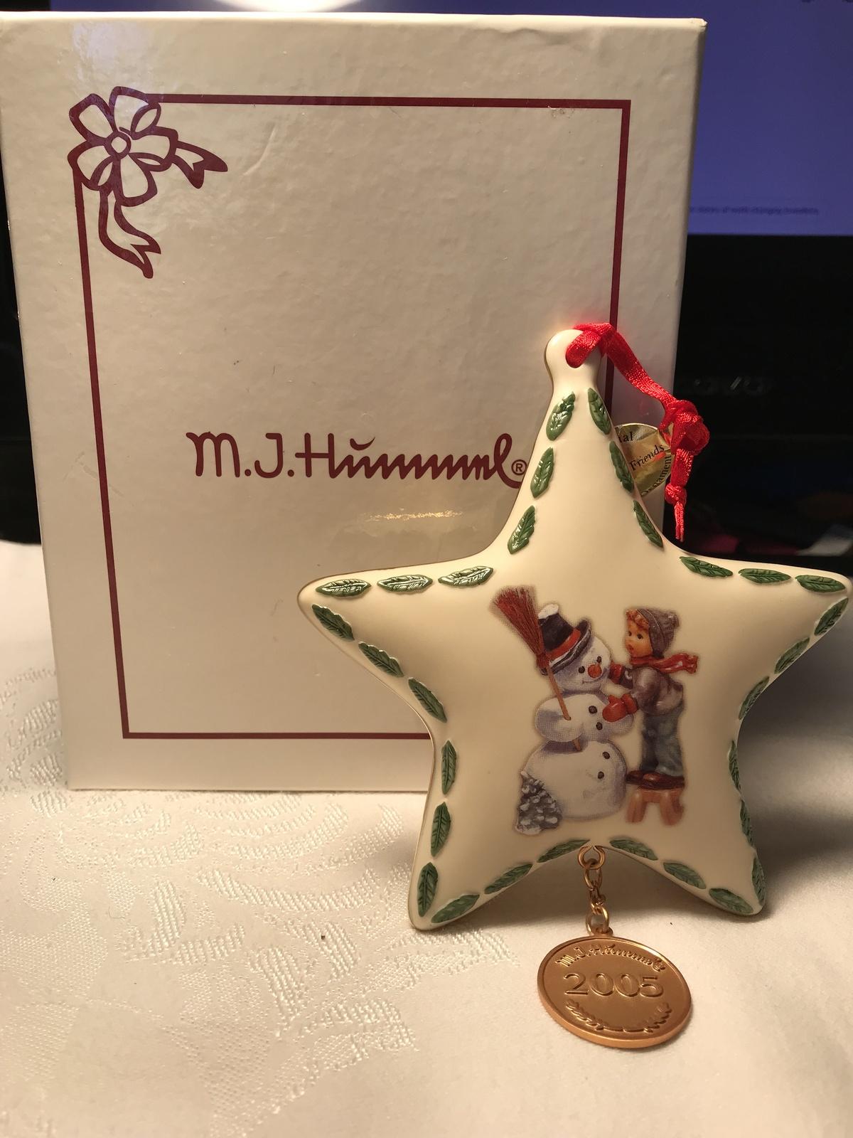 """M.J. Hummel """"Making New Friends"""" Star Ornament by Danbury Mint 2005"""
