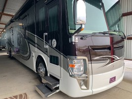 2015 Tiffin Motorhomes ZEPHYR 45DZ Class A For Sale In Baton Rouge, LA 70805 image 2