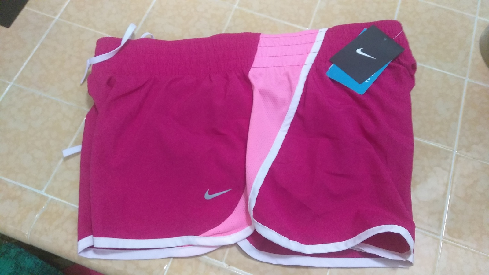 Primary image for Nike TEMPO Women's Running Shorts Sz XL FUCHSIA Design