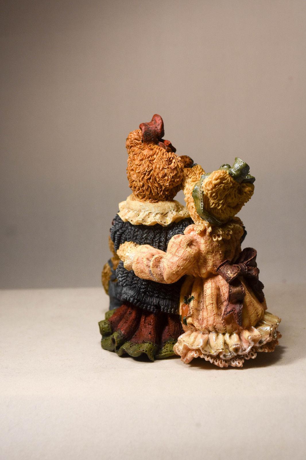 Boyds Bears: Louella & Hedda... The Secret - Style 22775 image 6