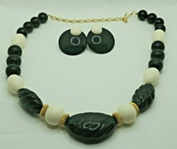 "Fashion Jewelry Black Cream Bead Gold-tone 17"" Necklace & Pierced Earrin... - $14.24"